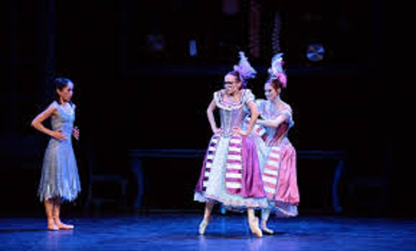 Cinderella: Stepsisters (extract) | English National Ballet | Online, Ballett
